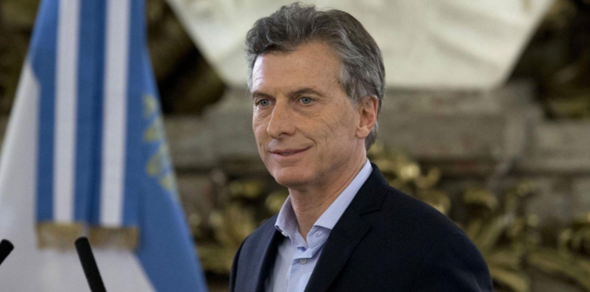 Precios congelados, tarifas fijas, créditos y beneficios sociales: las medidas de Macri
