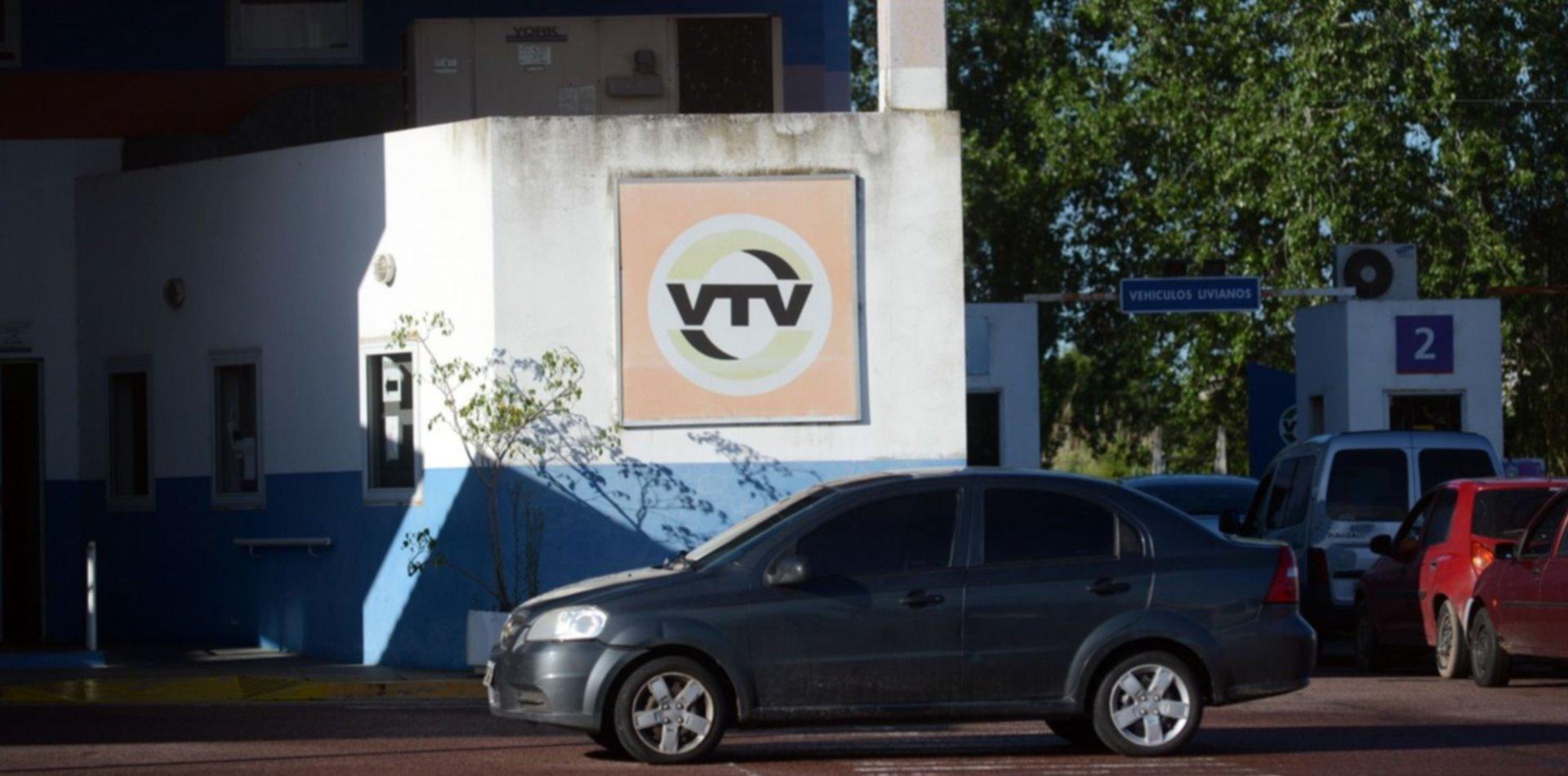 Tras las quejas por las colas eternas, amplían el horario de atención de la VTV en La Plata