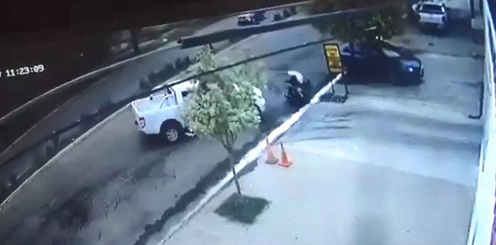 VIDEO: Así fue el accidente que terminó con la muerte de un motociclista en La Plata