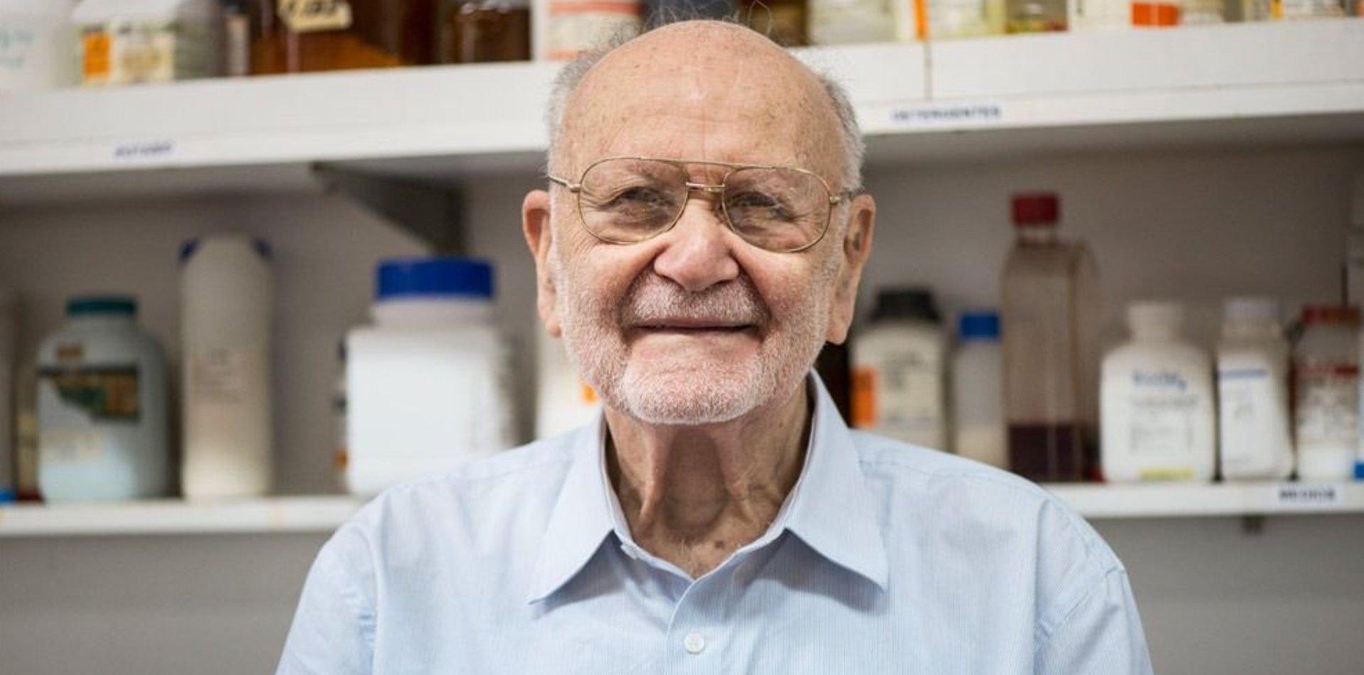 ¿Quién era Gabriel Favelukes, el investigador de la UNLP que le dio nombre a una bacteria?