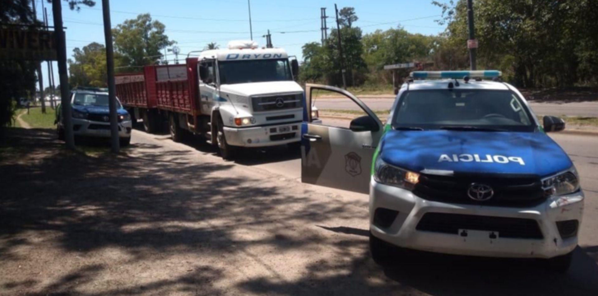 """Cayó una banda de """"piratas del asfalto"""" que robaron un camión y secuestraron al chofer"""
