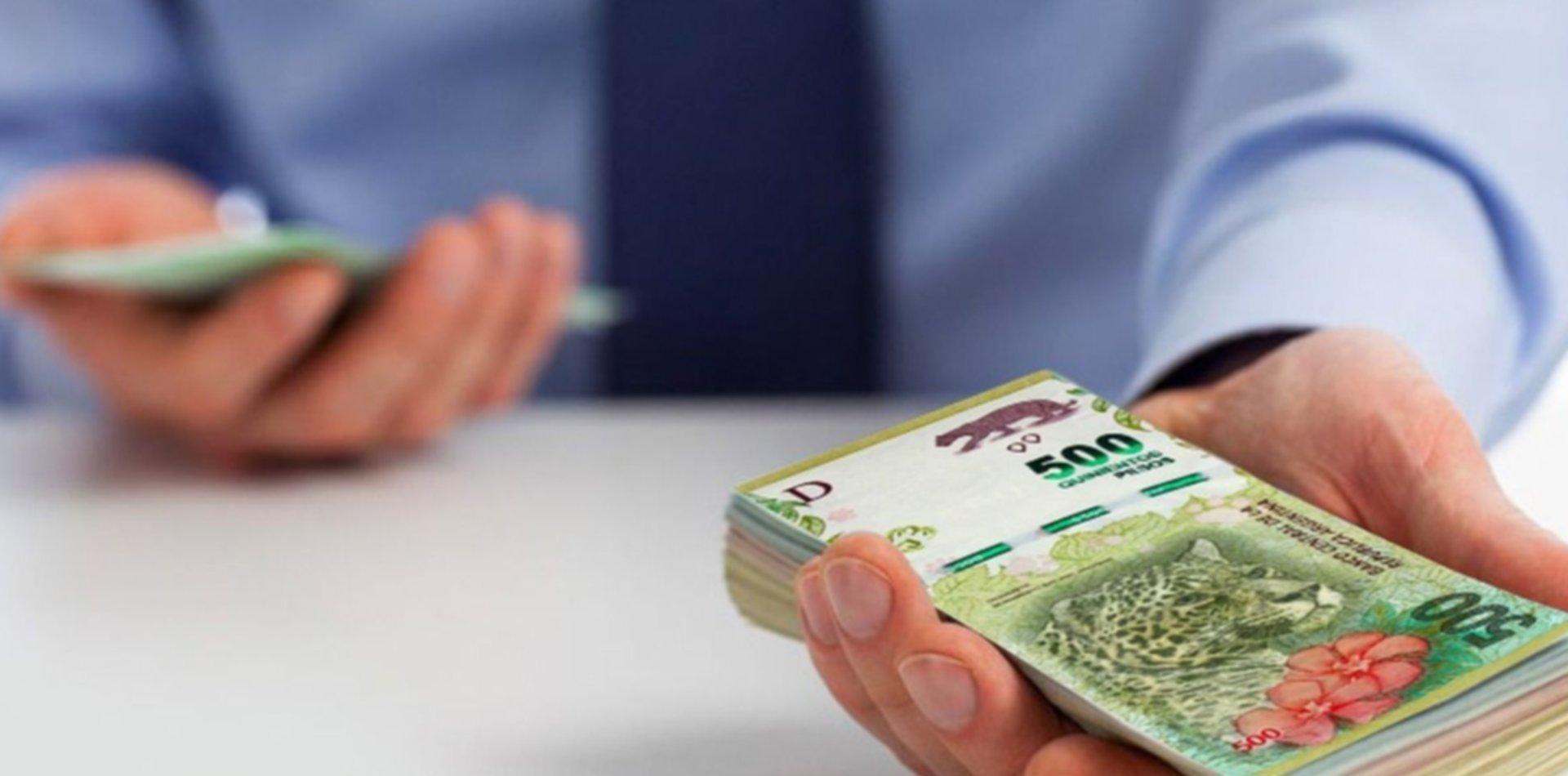 La Justicia platense autorizó a una financiera a embargar el sueldo de un empleado público