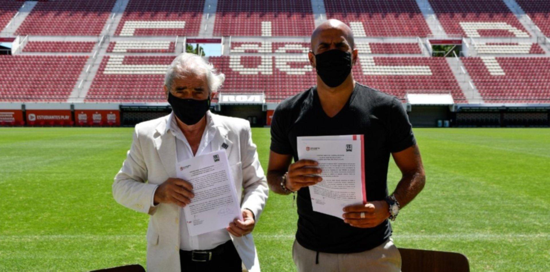 Verón firmó un convenio de cooperación entre Estudiantes y la Unión Industrial de La Plata