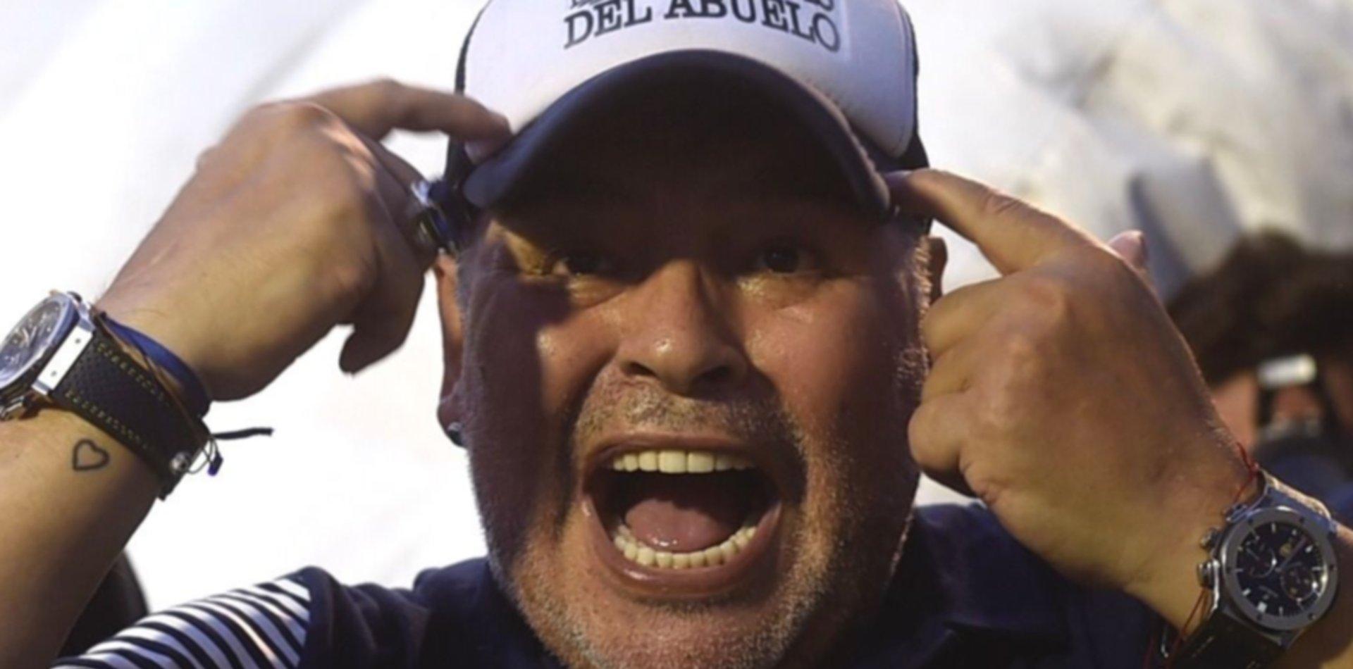"""Burlando asegura que Diego Maradona está """"privado de su libertad"""""""