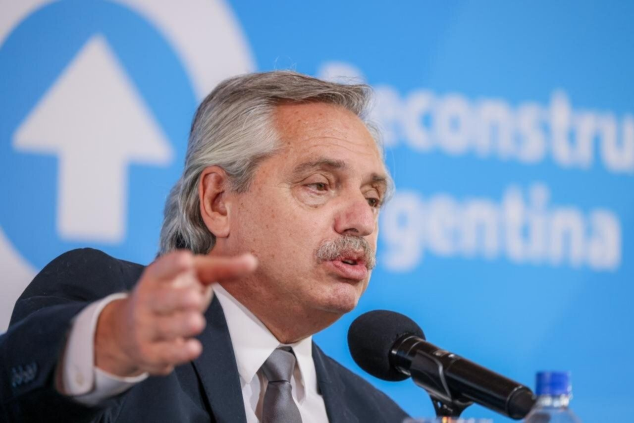 Alberto Fernández anunció las nuevas restricciones para frenar la segunda ola de contagios