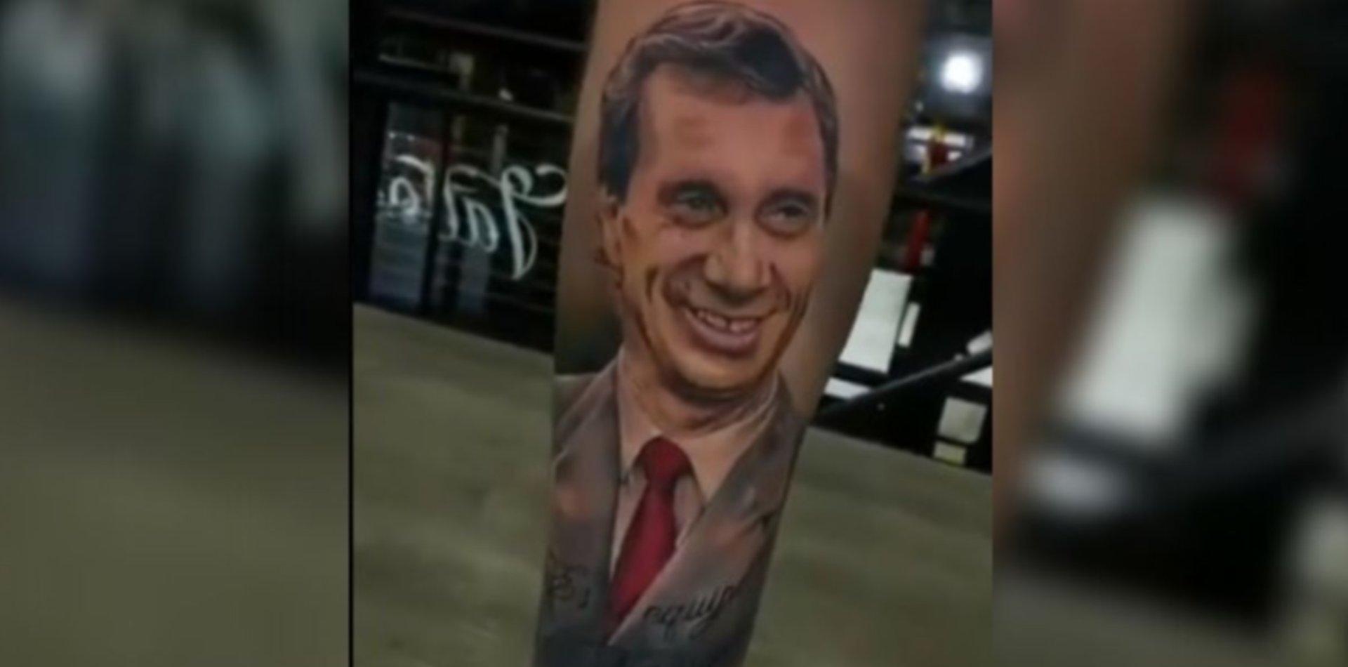 VIDEO: El impactante tatuaje de Carlos Bilardo que se hizo viral