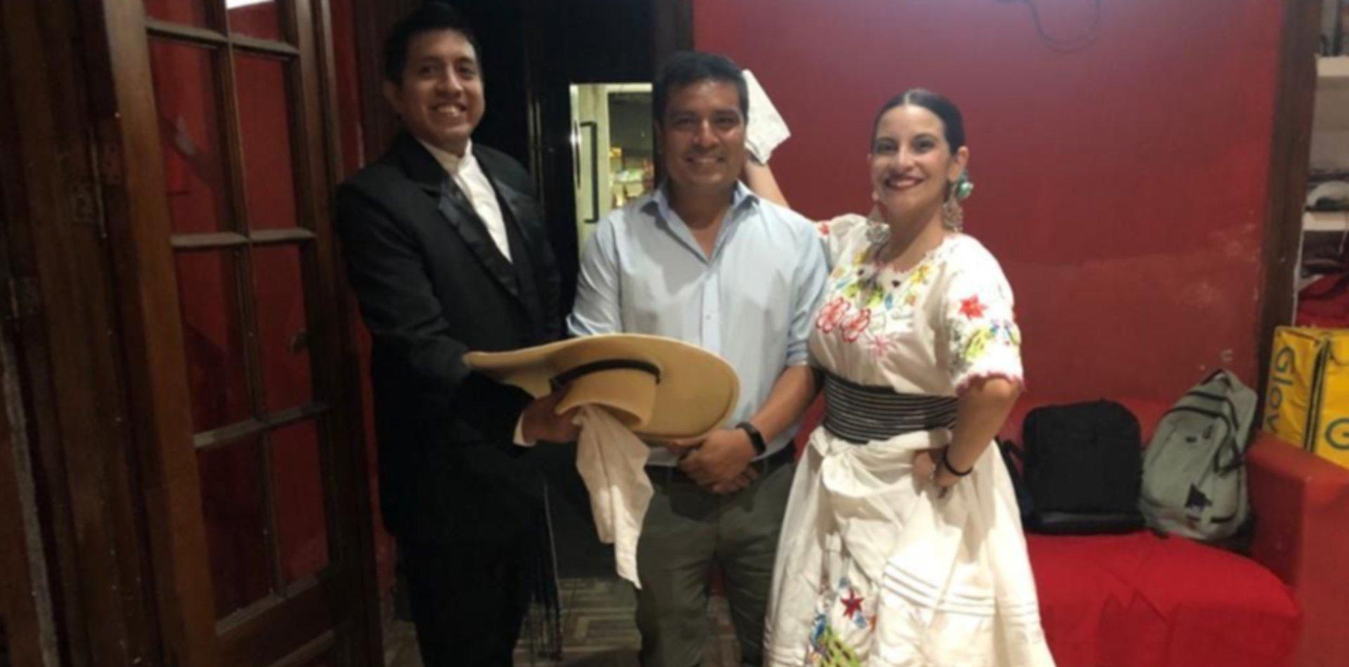 Vive en La Plata y se postula para el Congreso por los peruanos que viven en el exterior