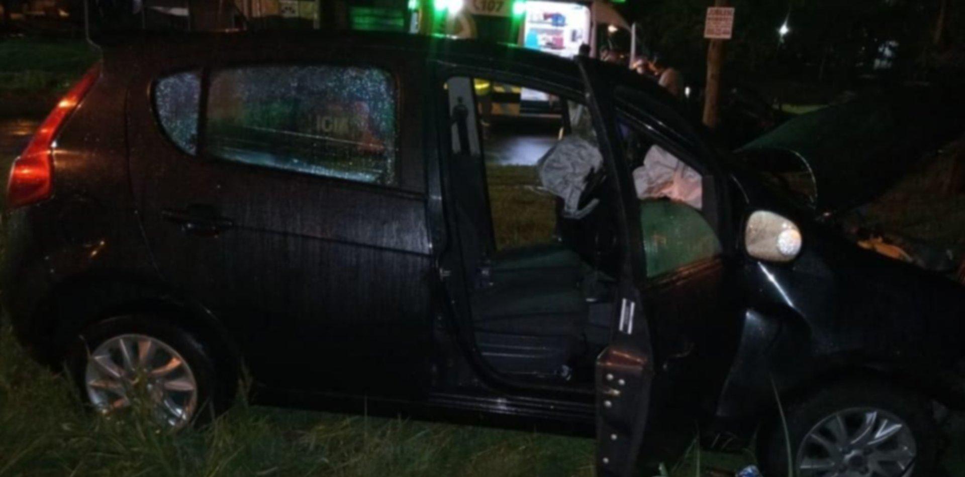 Chocó en un auto robado y se escondió en el patio de una casa, pero lo atrapó la Policía