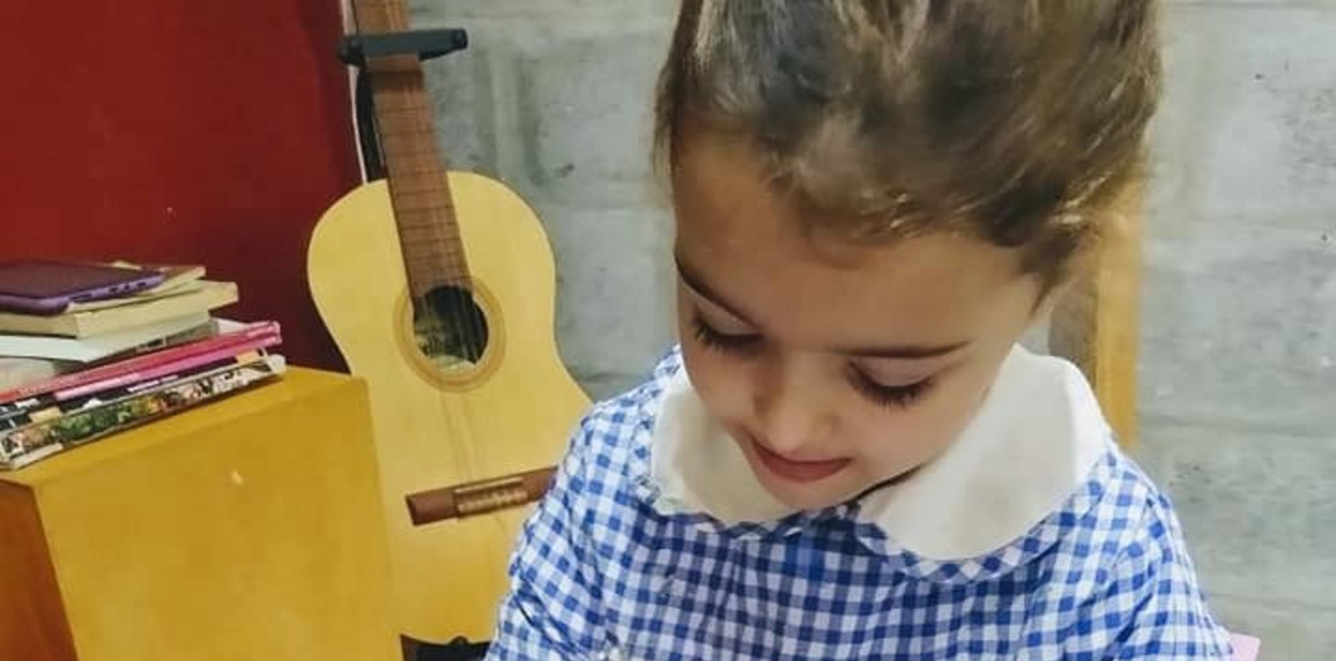 Juntan dinero para operar a una nena de La Plata con una discapacidad motriz