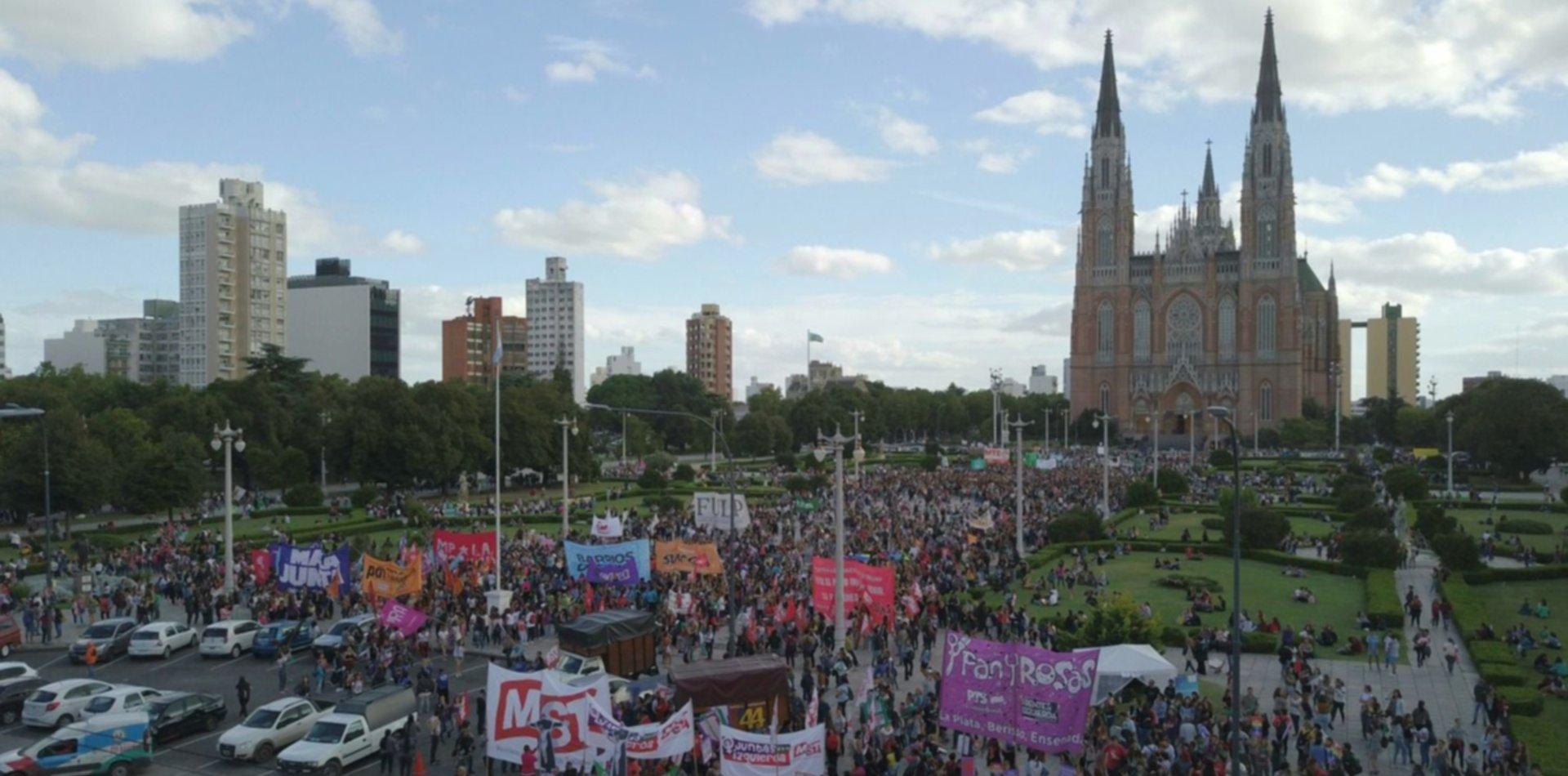La revolución plurinacional y disidente llega a La Plata: arranca el Encuentro Feminista