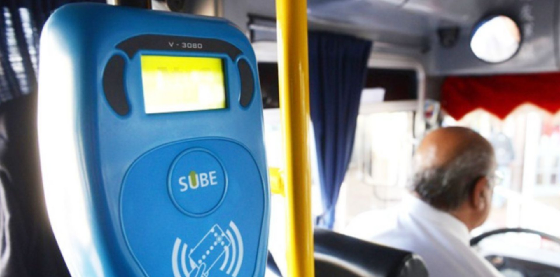 La UNLP anunció una nueva beca de transporte para estudiantes de grado