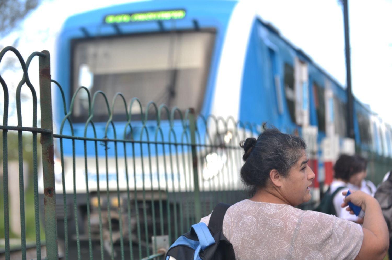 """Susto en el tren Roca: bajaron a los pasajeros en Gonnet por una """"falla mecánica"""""""