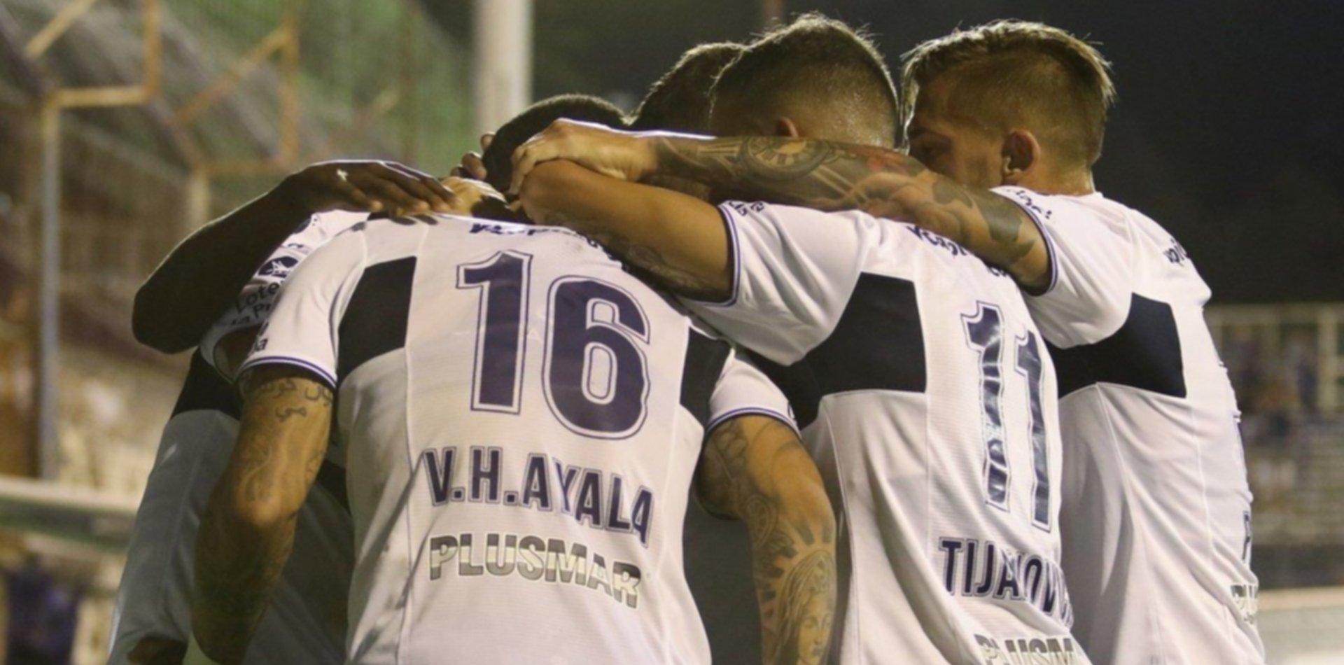 El Lobo se mide con Newell's en el Bosque en el inicio de la Copa de la Superliga