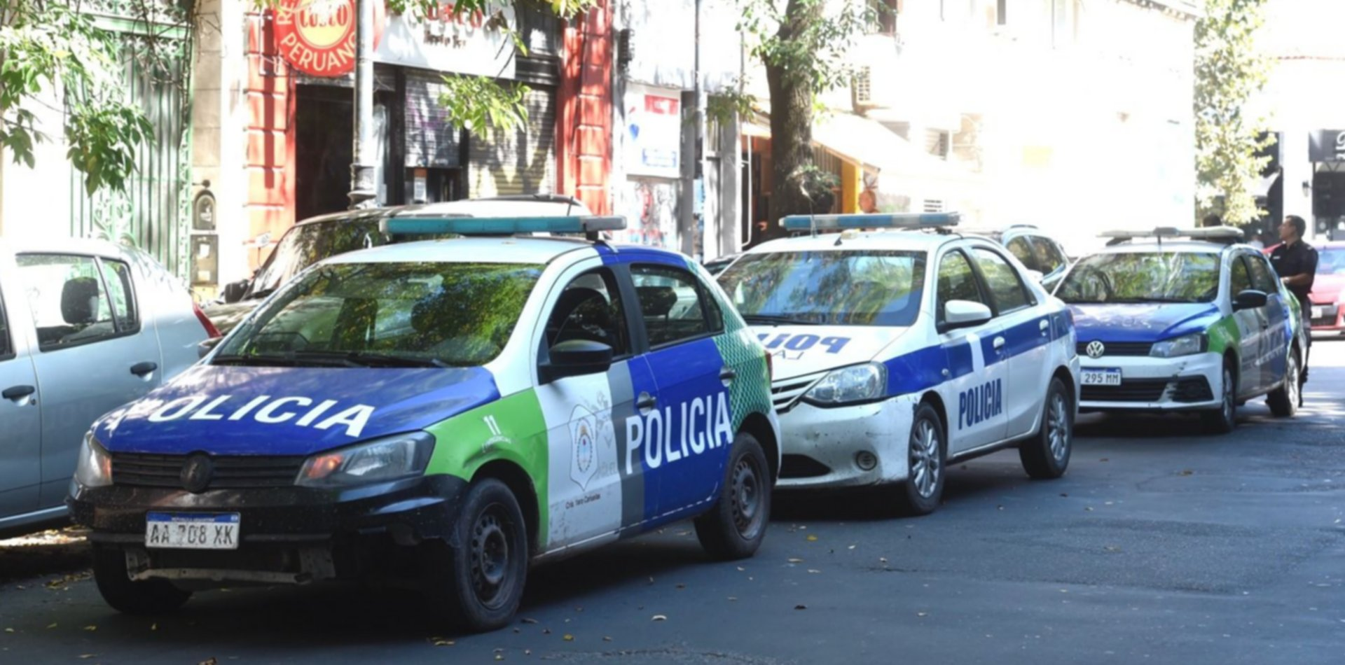 Violó a la empleada de una óptica de La Plata, la golpeó y amenazó con prenderla fuego