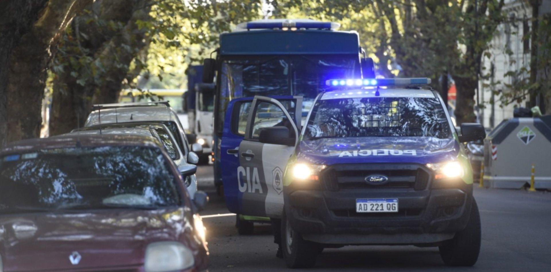 Conmoción en La Plata: encontraron muerto a un hombre en plena calle