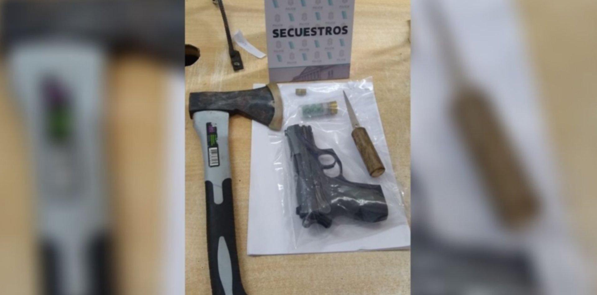 Revuelo en una cervecería de La Plata: quiso entrar, no lo dejaron y amenazó con un arma
