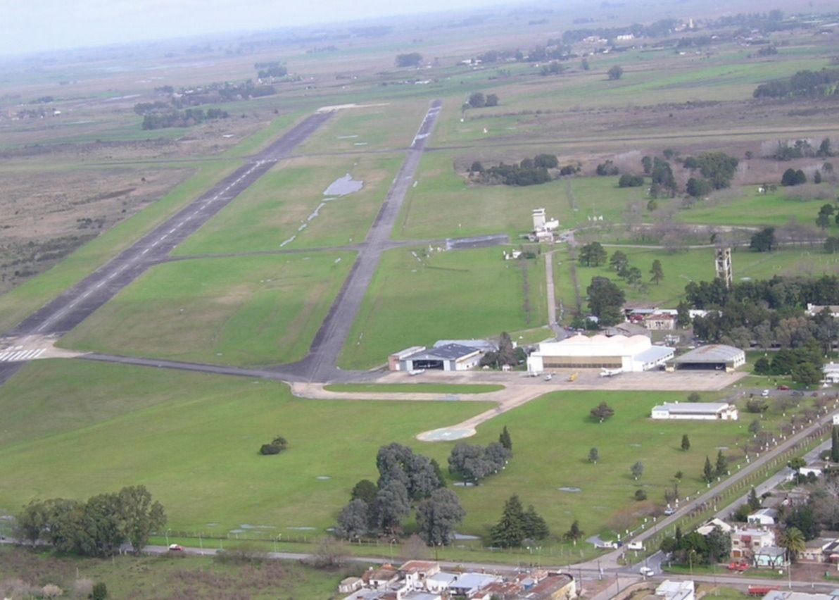 Resultado de imagen para Aeropuerto La Plata