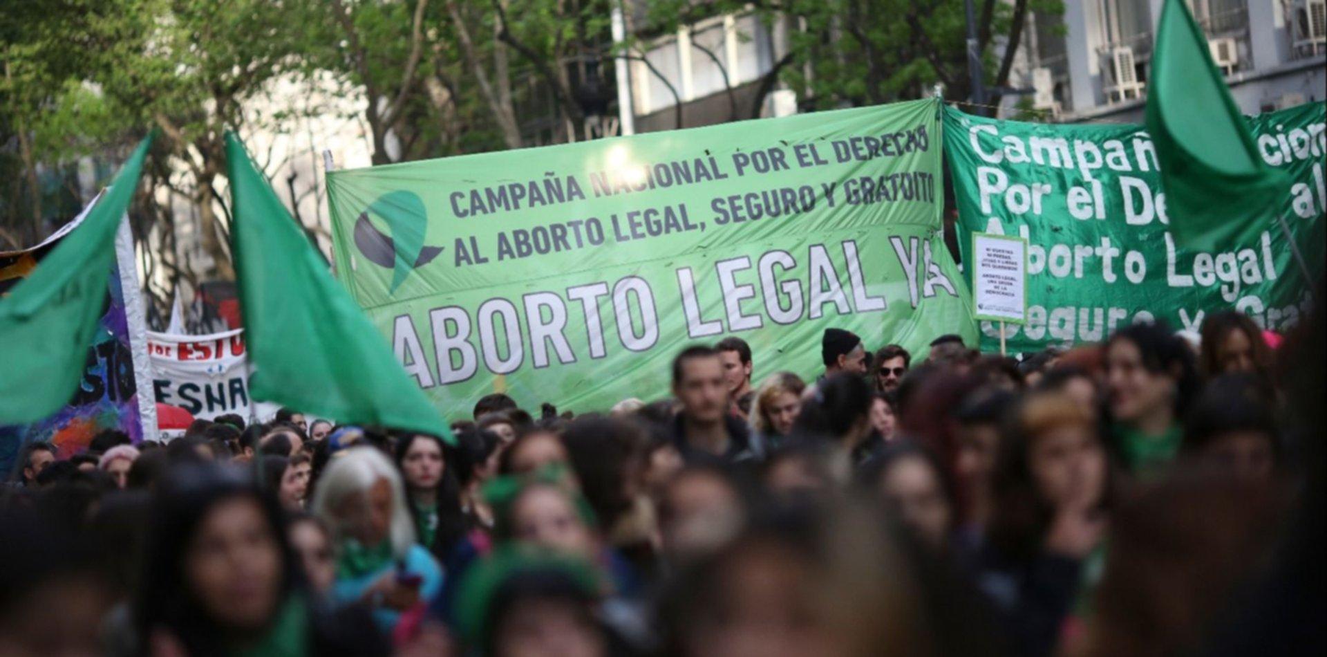 Hoy se promulga la ley de aborto legal en todo el territorio argentino