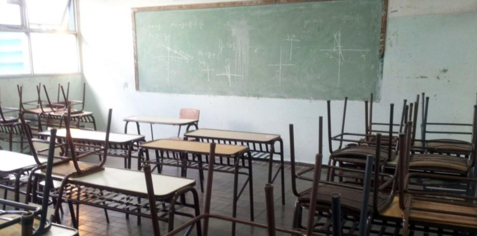 Trabajadores despedidos de Educación se manifestarán en Casa de Gobierno