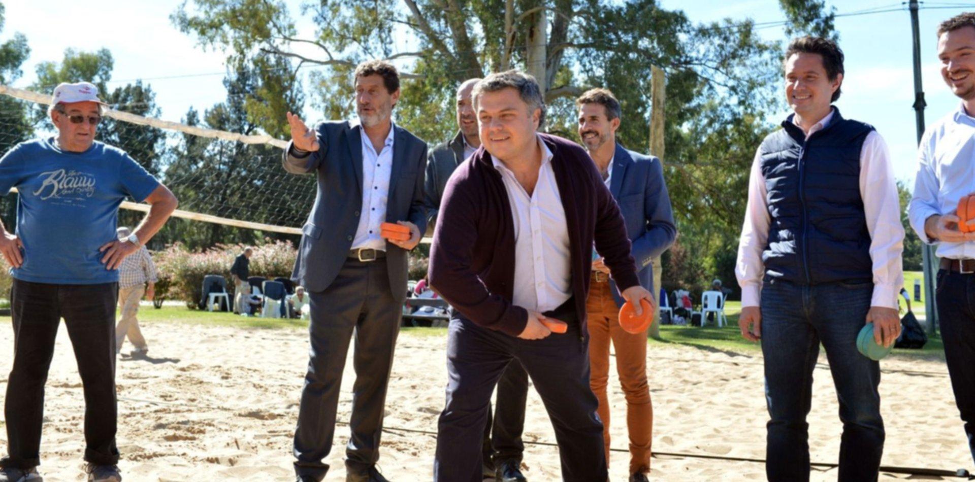 Jugando al tejo y al sóftbol, Garro y Ministros de Vidal lanzaron los Juegos Bonaerenses