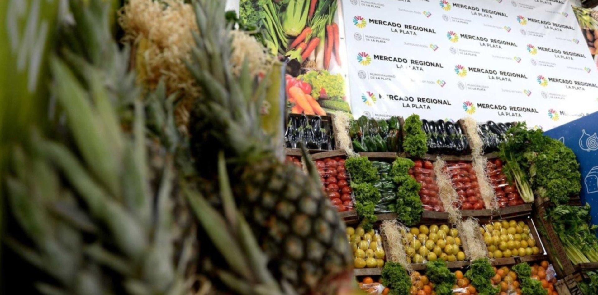 Los bolsones populares de frutas y verduras también llegaron al Mercado Regional de La Plata