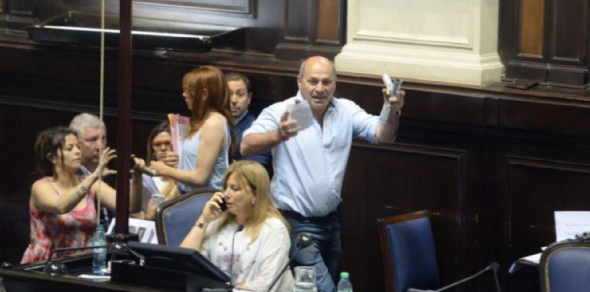 El intendente Mario Secco a juicio oral por su irrupción en la Legislatura