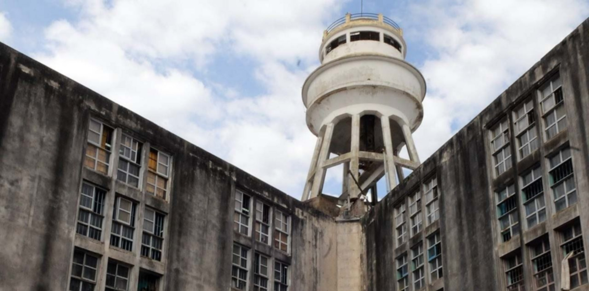 Murieron dos presos de una cárcel de La Plata: uno tenía coronavirus