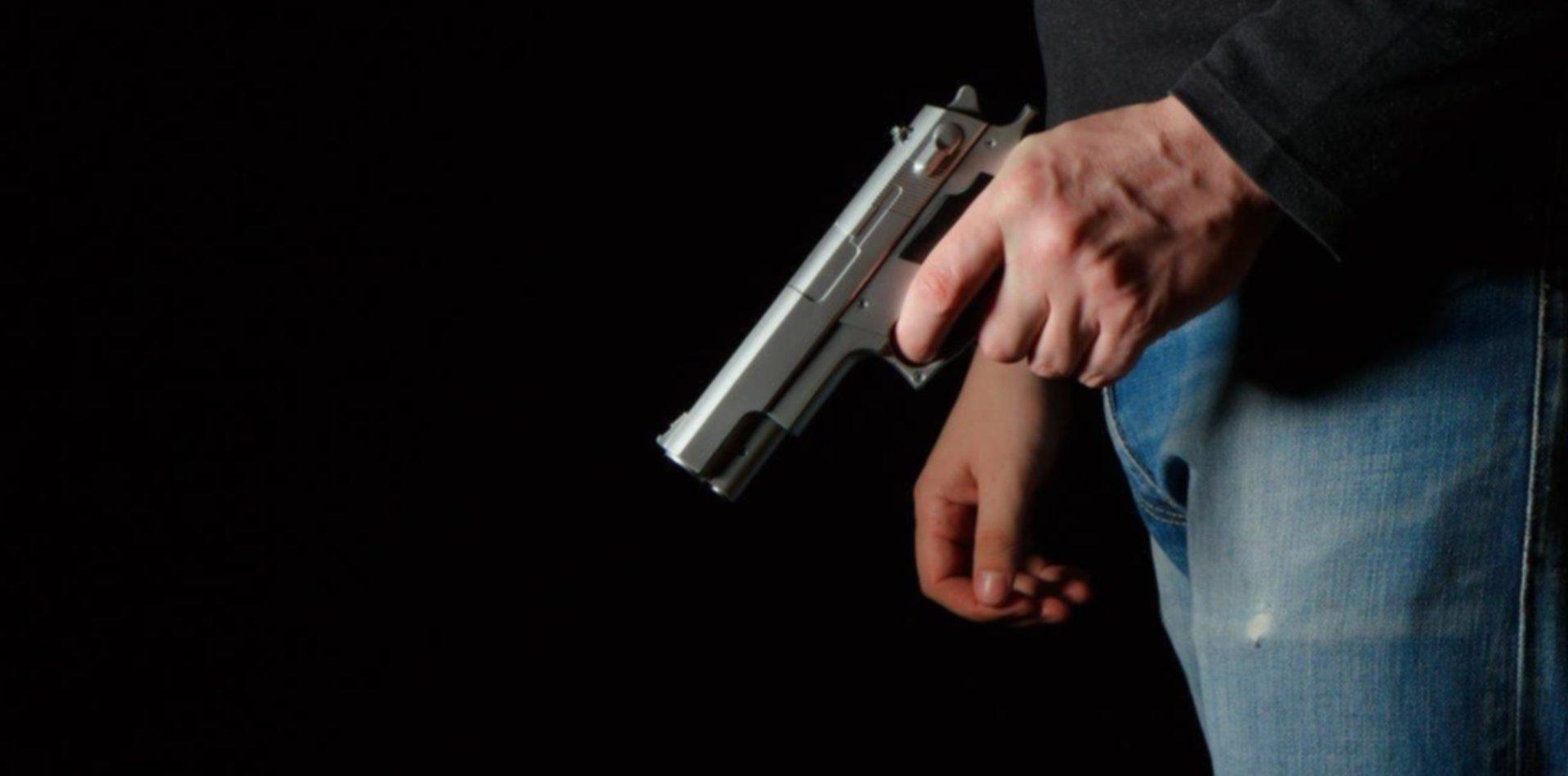 Tiros, amenazas y corridas en medio de una discusión vecinal en Ensenada