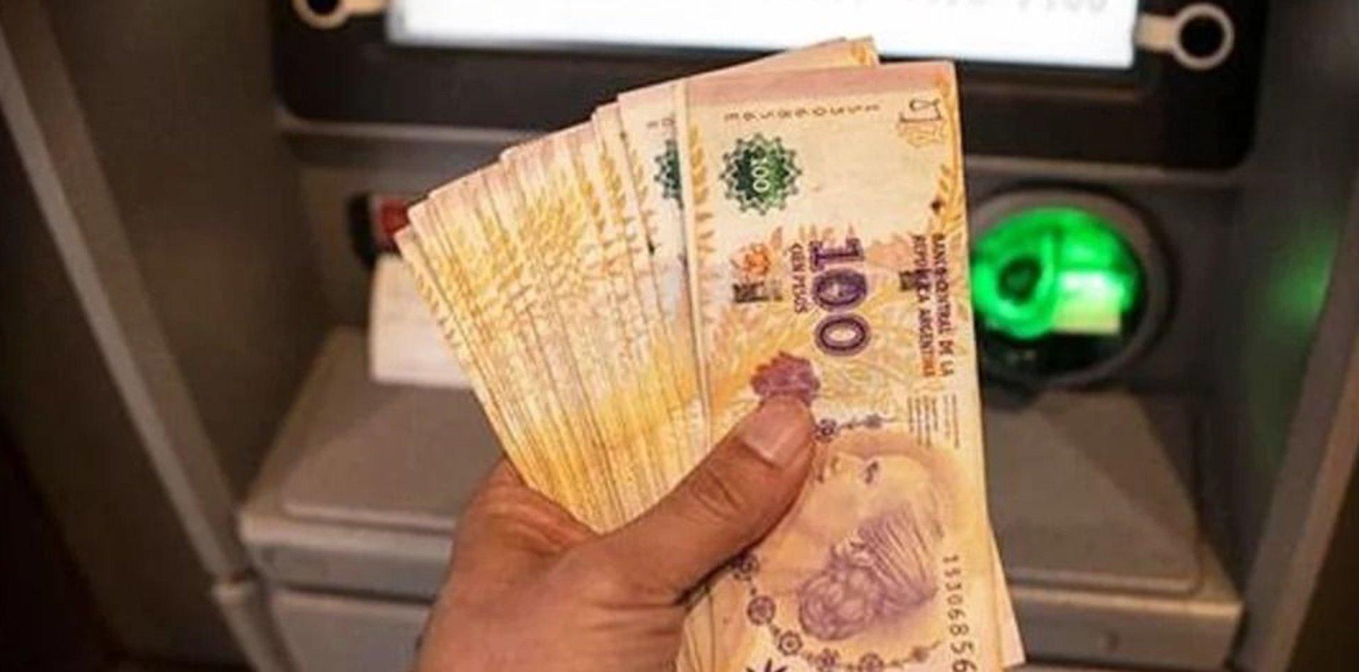 Analizan opciones para pagar el bono de 10 mil pesos a las personas no bancarizadas