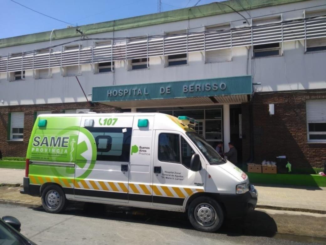 Un policía de Berisso terminó en el hospital tras recibir un piedrazo en la cabeza
