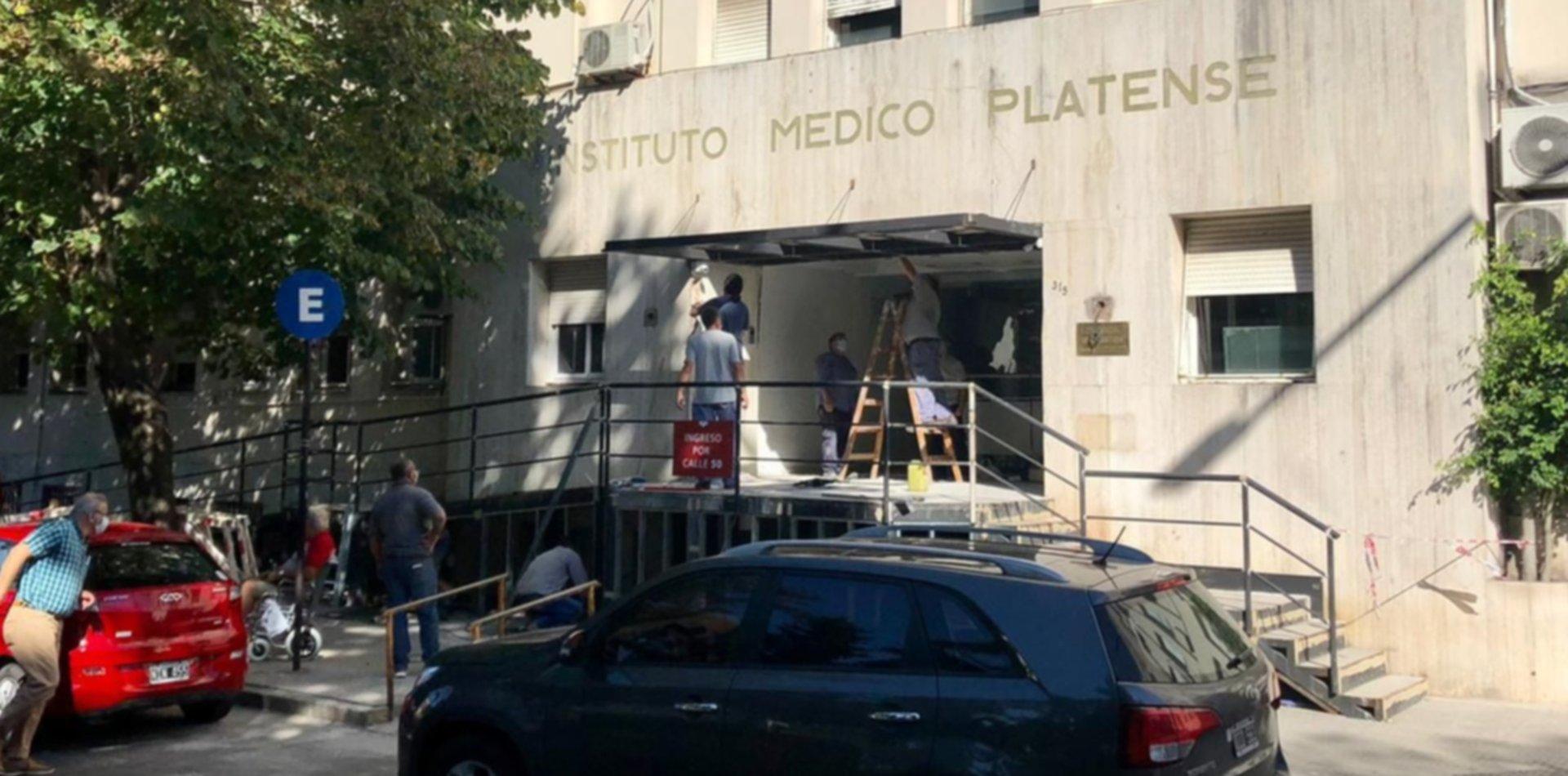 """Guardia cerrada y terapia a """"cama caliente"""": así funciona el Instituto Médico Platense"""
