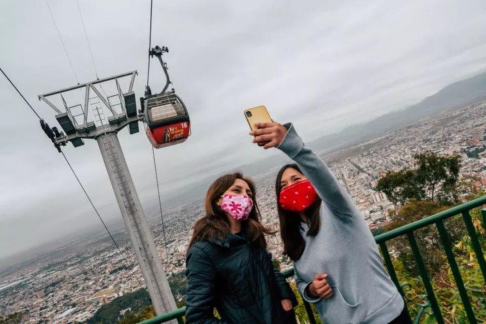 Casi dos millones de turistas viajaron por el país en Semana Santa respetando protocolos