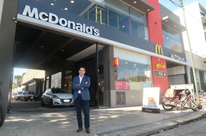 """McDonald's remodeló sus locales en La Plata y presentó la iniciativa """"Museo en movimiento"""""""