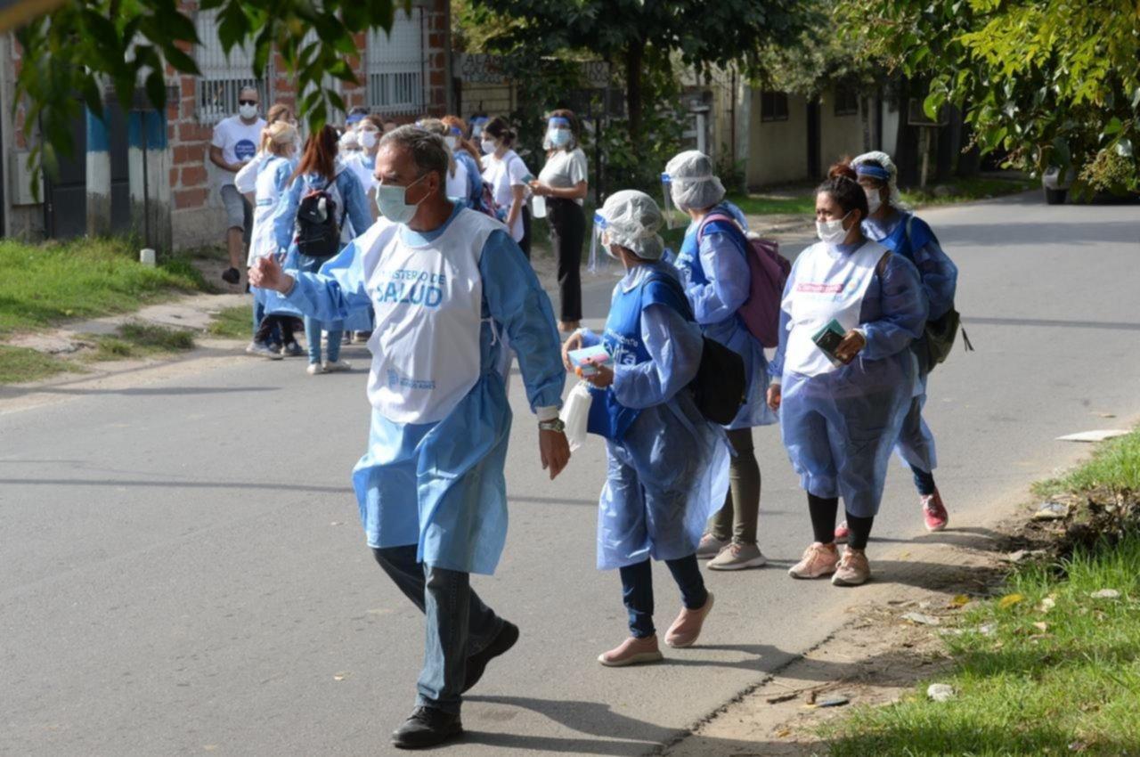 """Avanza la búsqueda de casos de coronavirus """"casa por casa"""" en La Plata"""