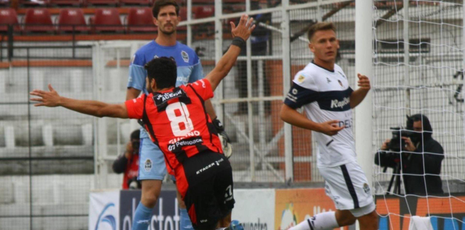 Dura caída antes del clásico: el Lobo fue goleado y cayó 4 a 1 ante Patronato