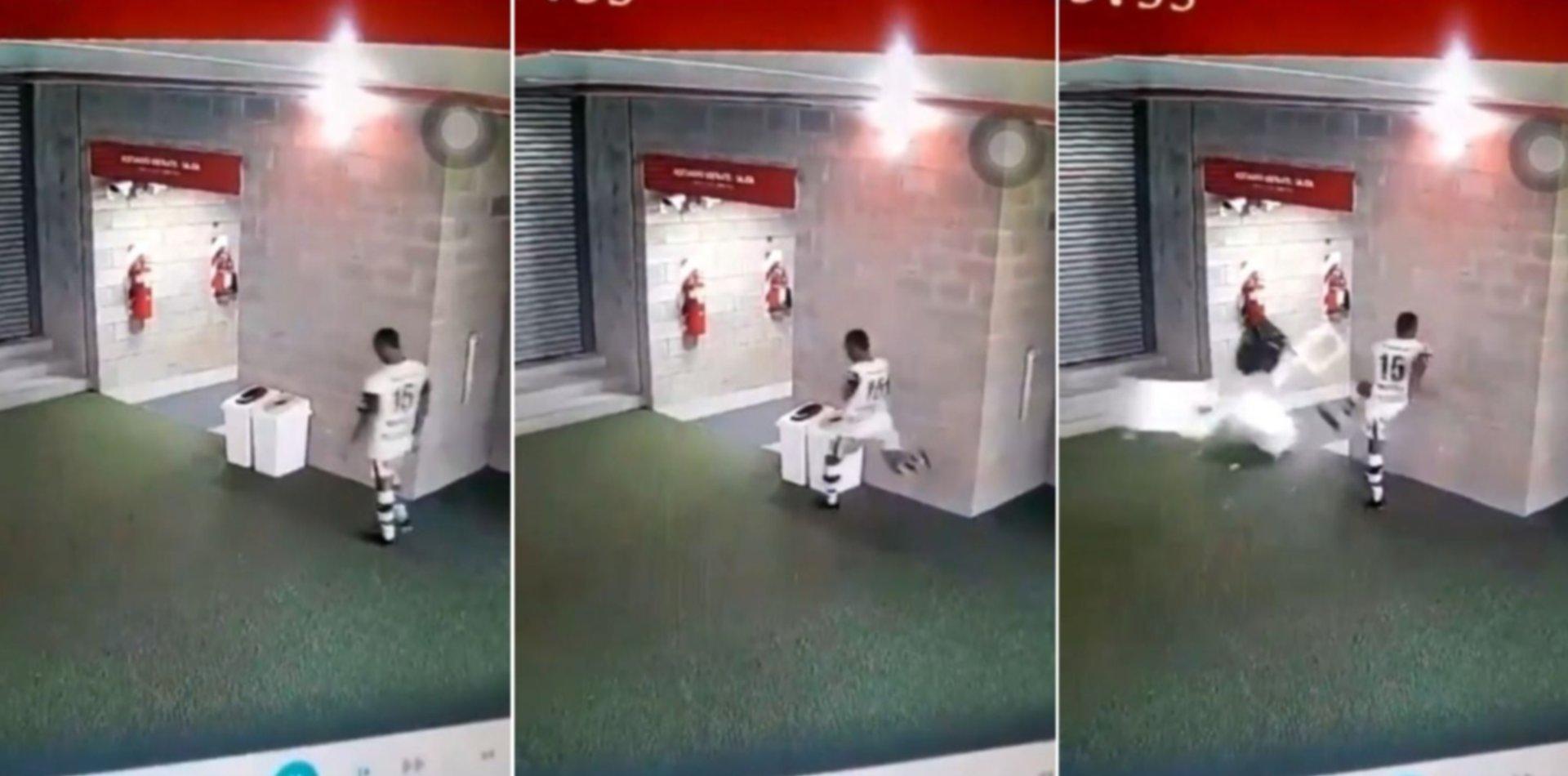 VIDEO: Mancilla arrancó de una patada los tachos de basura de UNO tras irse expulsado