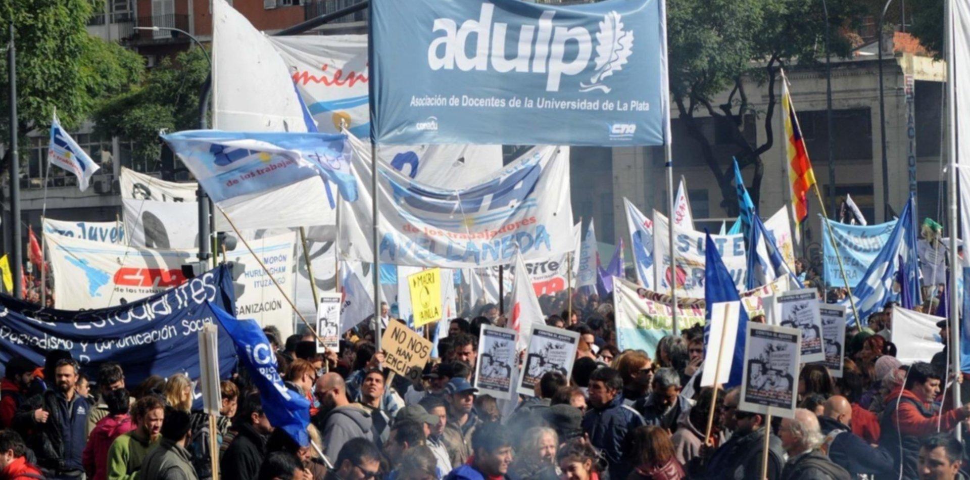 El Gobierno presentó una nueva oferta salarial y ahora definen los Universitarios