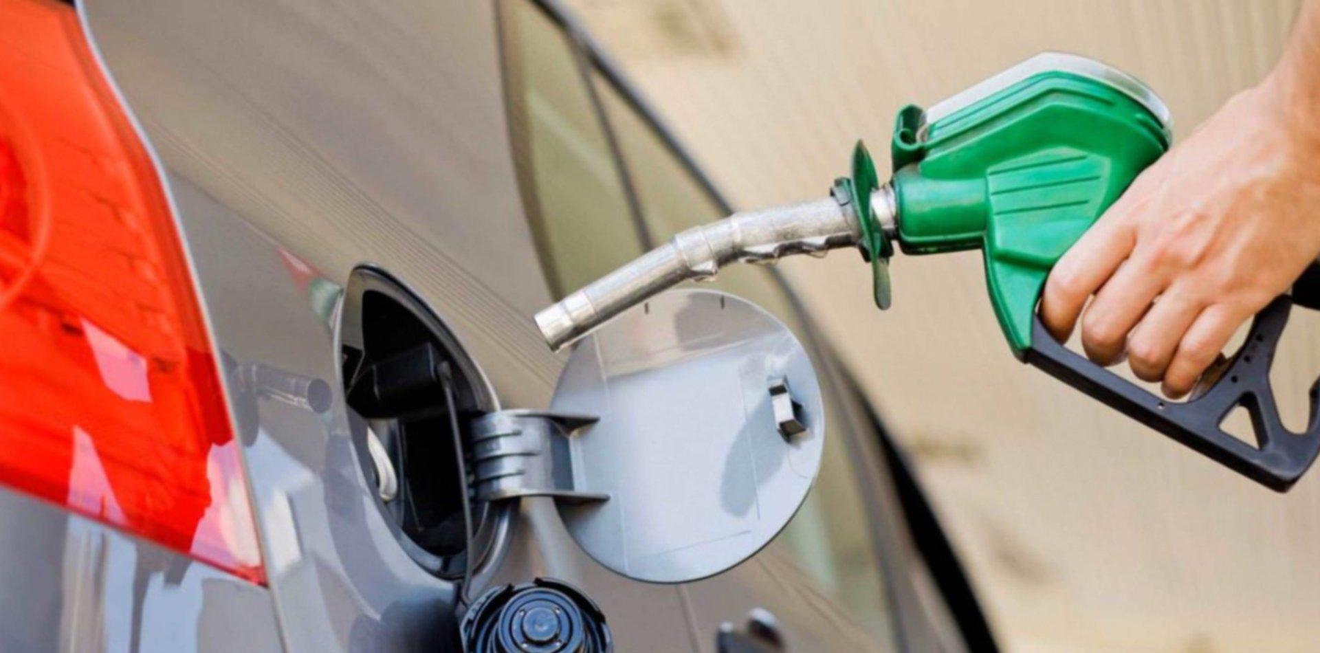 """El Gobierno asegura que """"no está confirmado"""" el aumento de las naftas"""