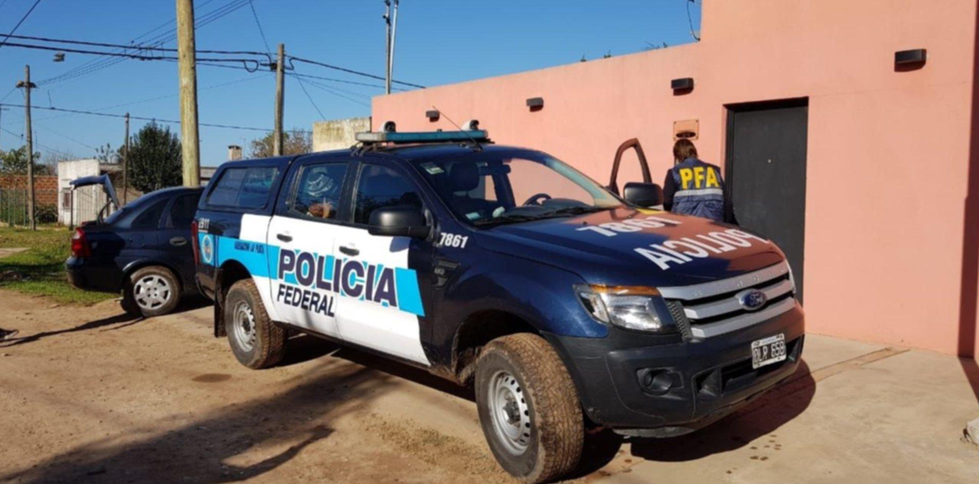Compraba y vendía autos con cheques falsos en La Plata, pero lo detuvieron en Luján