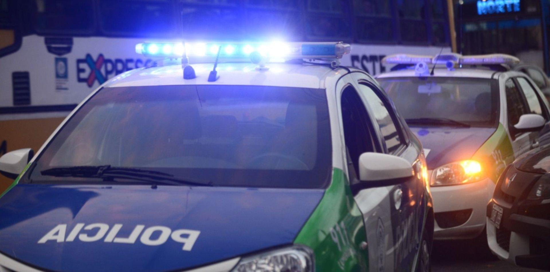 Brutal asalto en una pizzería de La Plata: disparos fallidos, golpes y amenazas