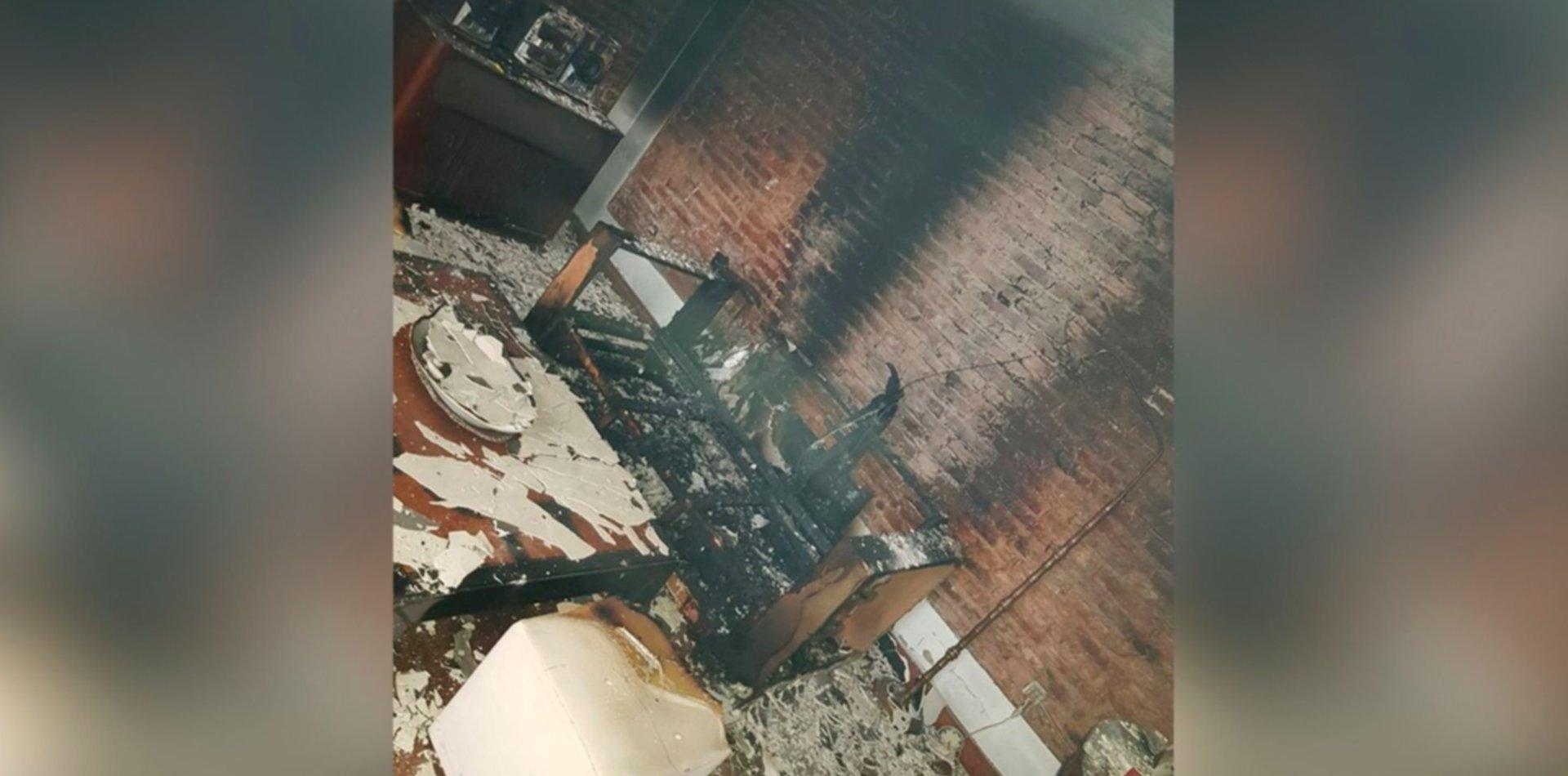 Robaron en una casa de La Plata y antes de irse la prendieron fuego