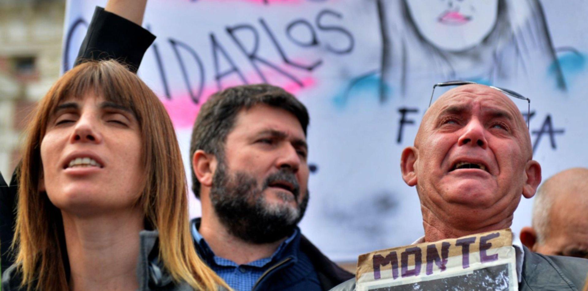 Familiares, amigos y ONGs marcharon en La Plata por Justicia por la masacre de Monte