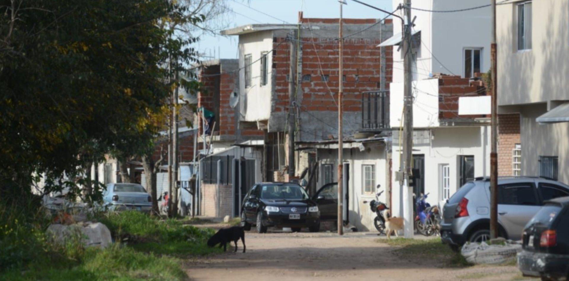 ¿Cómo es y quiénes viven en el barrio de Berisso y Ensenada donde se disparó el COVID-19?