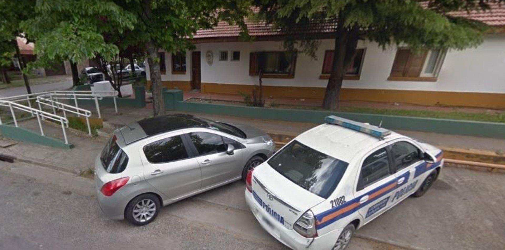 COVID-19: una agente dio positivo y aíslan a seis policías en una comisaría de La Plata