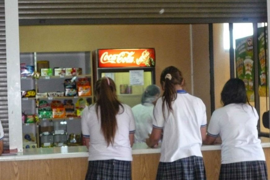 Con la presencialidad, volverán a abrir los kioscos en las escuelas: todas las medidas