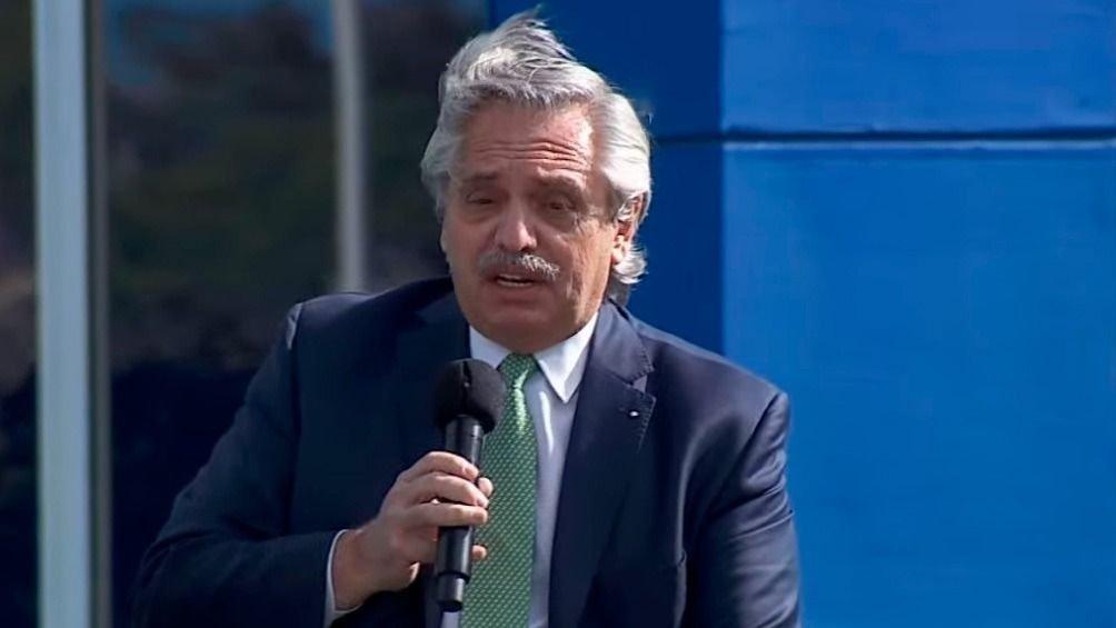 Alberto Fernández puso en marcha el plan de conectividad y cuestionó duramente a la Corte
