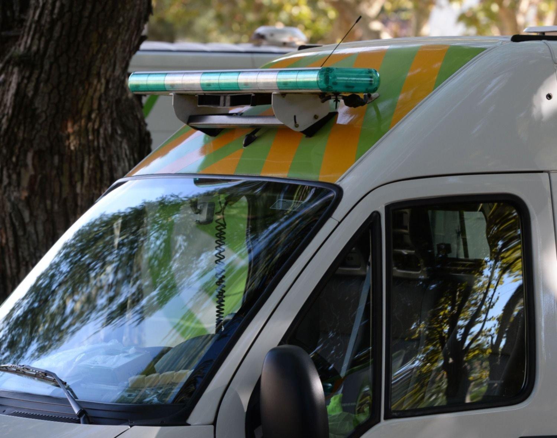 Una patota atacó a dos jóvenes para robarles y a uno le fracturaron el cráneo a golpes