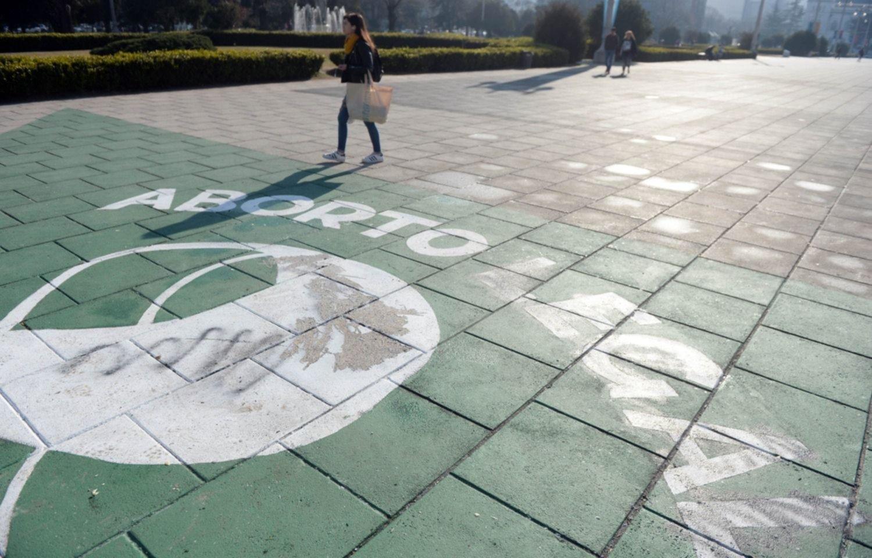Resultado de imagen para fotos del pañuelo escrachado en plaza moreno