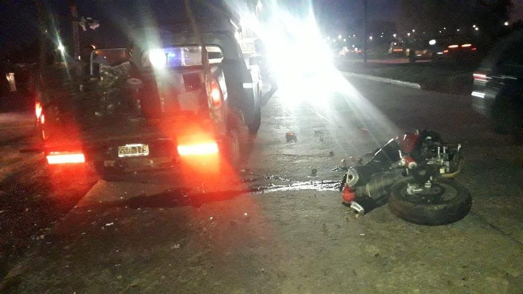 Accidente fatal en La Plata: viajaba en moto, chocó contra