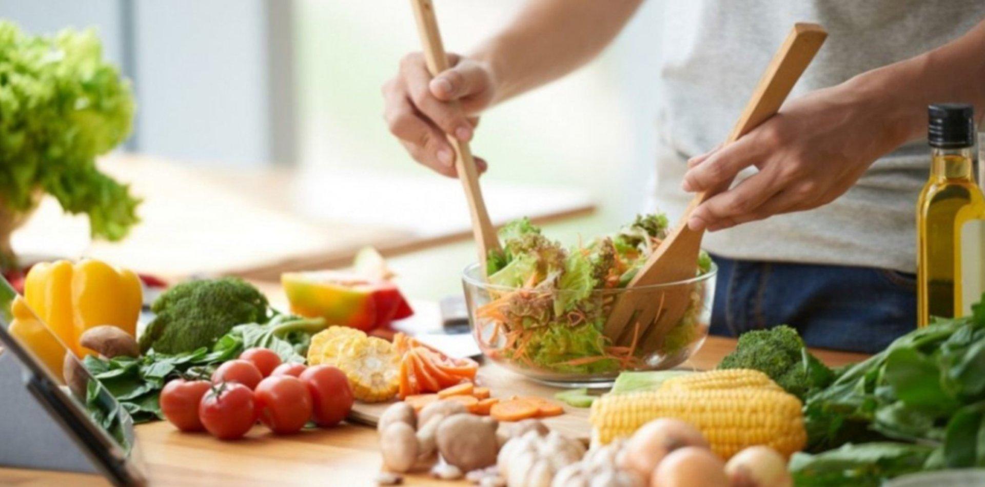 Los cinco alimentos recomendados para reducir el estrés durante la cuarentena